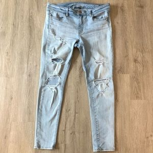 🍂AEO🍂DISTRESSED LIGHT BLUE JEGGINGS SZ 10 SHORT